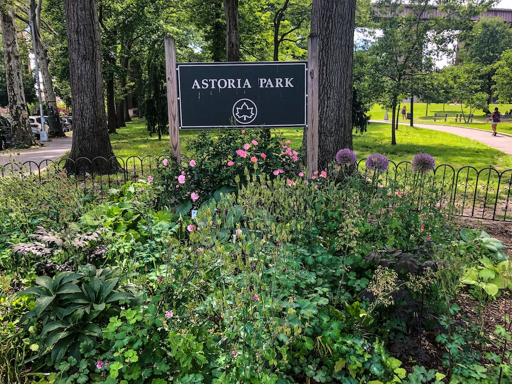 astoria queens things to do : go to the park and relax