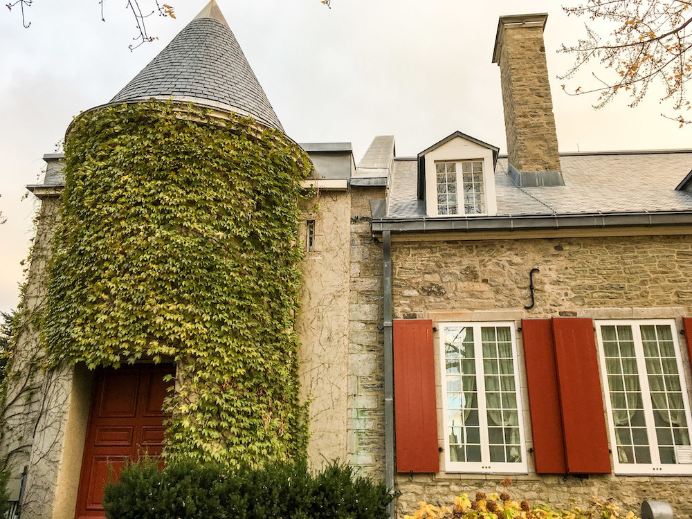 gorgeous house with vines in old montreal