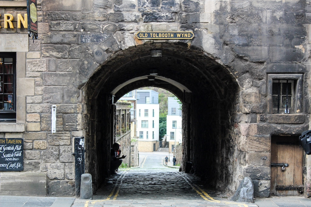 spend two days in edinburgh getting lost in alcoves