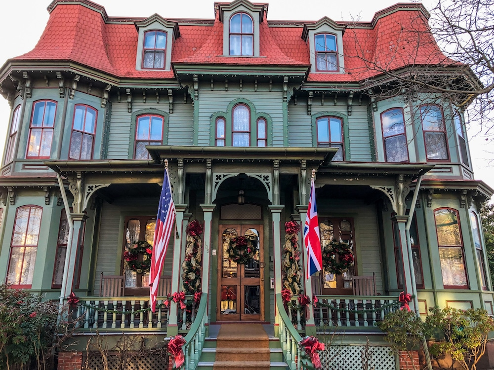 things to do in cape may this weekend include taking photos of victorian homes