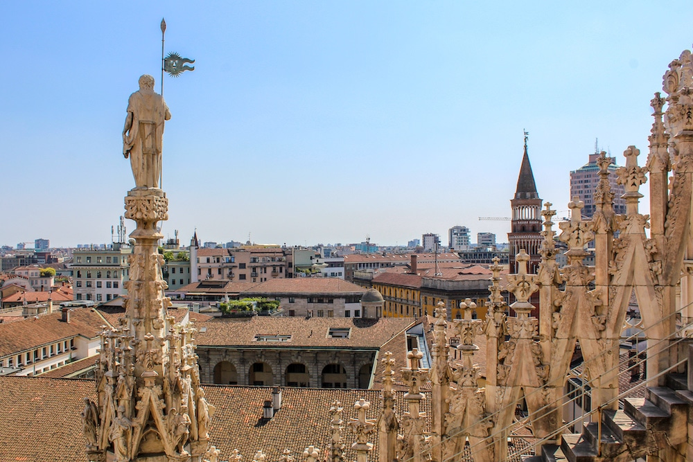 solo travel in milan walk on the roof