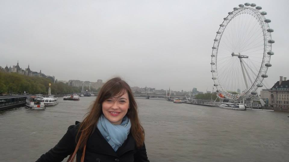 smiling in london when you travel with contiki