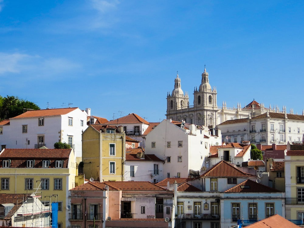 see alfama with 4 days in portugal