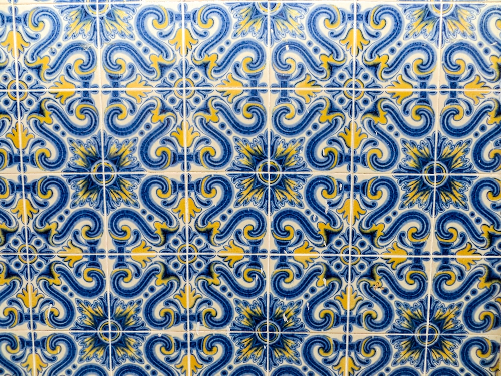 see pretty tiles with 4 days in portugal