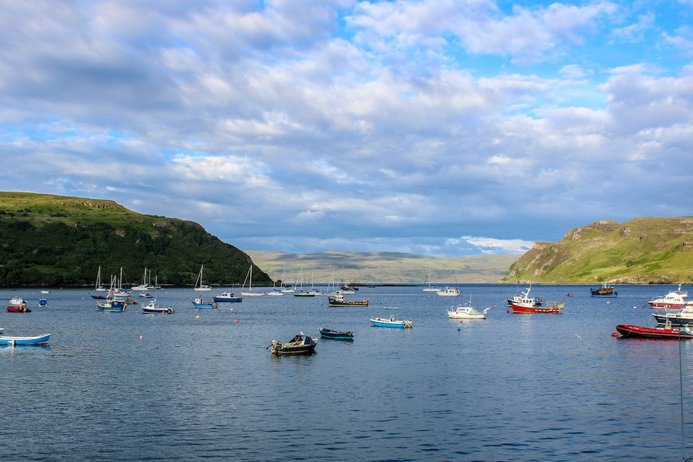 see boats at the isle of skye