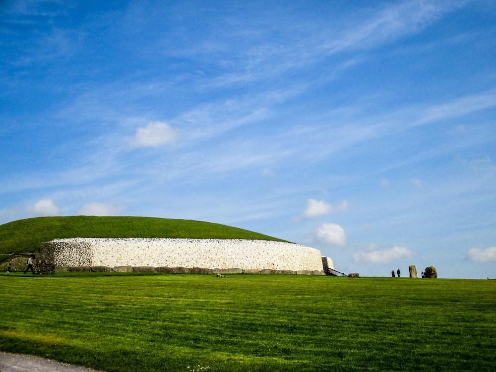 with 4 days in dublin take a trip to newgrange