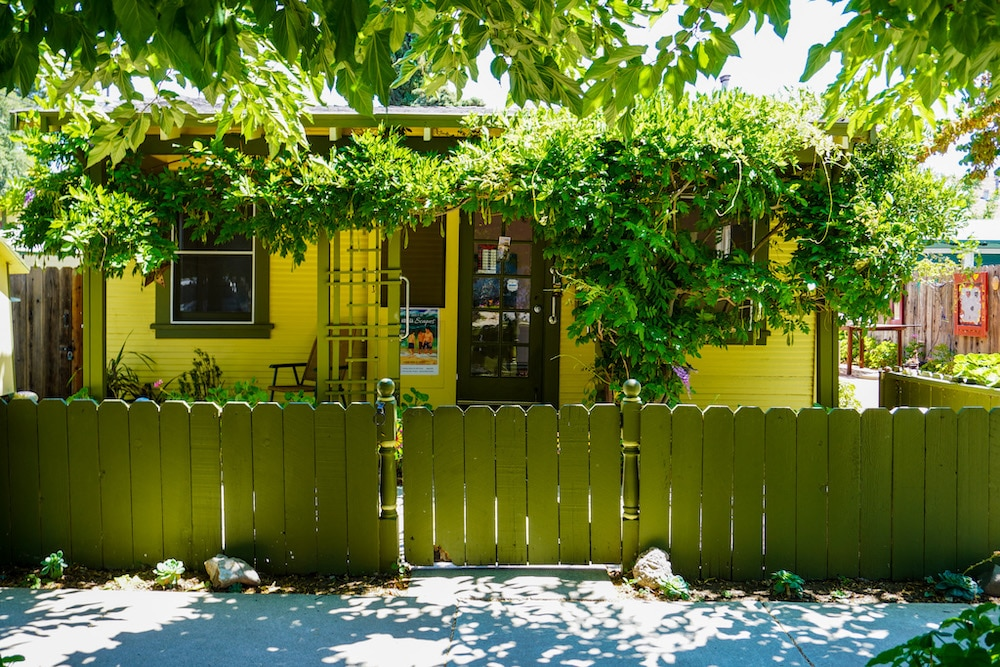 aRt cottage is one of the cutest places in concord ca