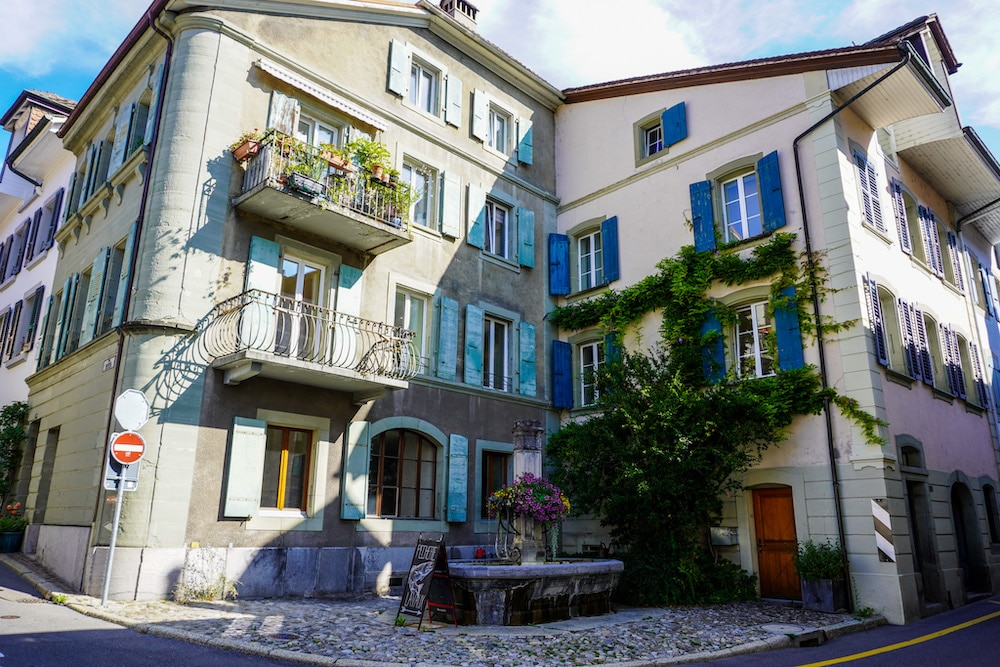 solo travel lake geneva: you will have the chance to see many towns